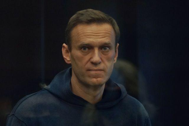 ФСИН просит заменить условный срок Навальному на 3,5 года тюрьмы