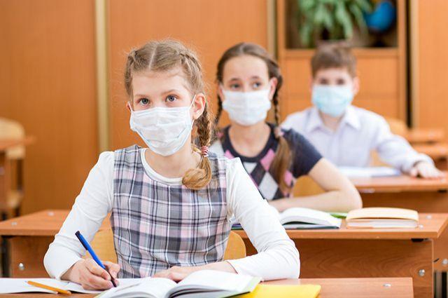 В Черновицкой области школу эвакуировали из-за резкого химического запаха