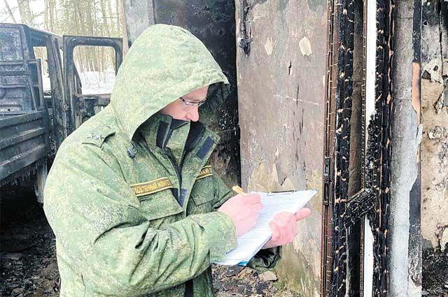 Криминалисты осмотрели место происшествия и назначили судебную экспертизу.