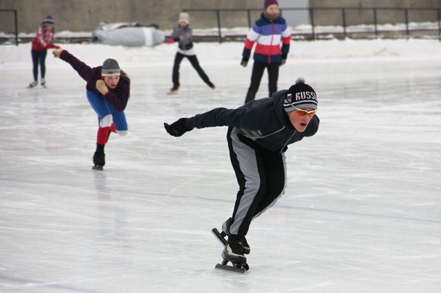 В Конькобежных соревнованиях примут участие города Красноярск, Железногорск и Дивногорск.