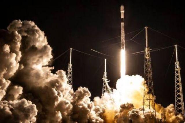 SpaceX доставила на орбиту еще 60 спутников Starlink.