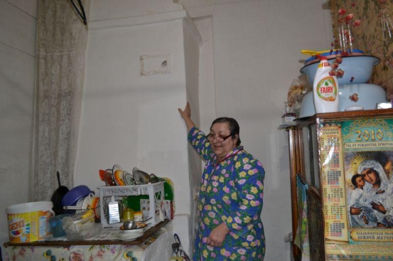 Печь в комнате Поняевых нерабочая. Комнату отапливают с помощью котла и масляного радиатора.