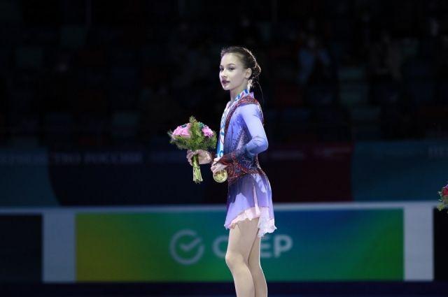 В женском одиночном катании ппобедила Софья Акатьева, набравшая 220,00 баллов.