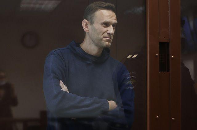 Алексей Навальный в зале Бабушкинского районного суда, где идет заседание по делу о клевете в отношении ветерана Великой Отечественной войны Игната Артеменко.