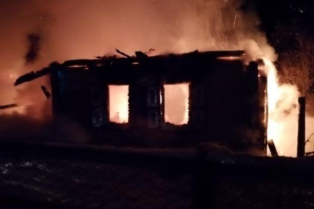 В пожаре в Башкирии погибли двое мужчин, найдены фрагменты тел