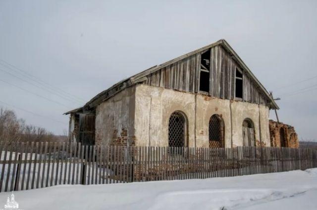 Церковь в с. Легостаево - первый каменный храм в Западной Сибири