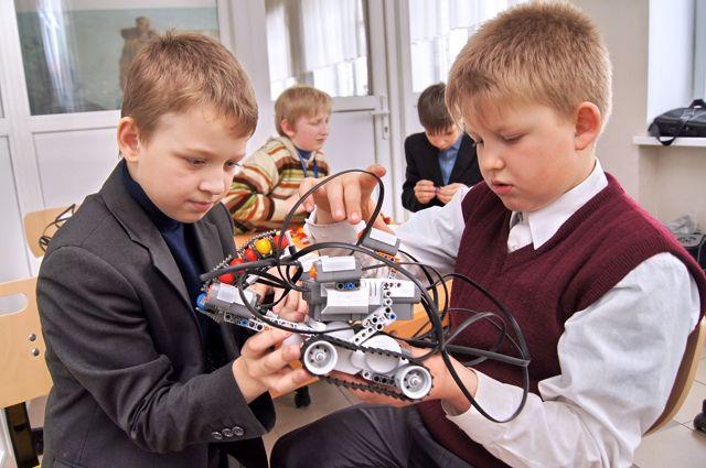 Технические кружки у детей - самые востребованные.