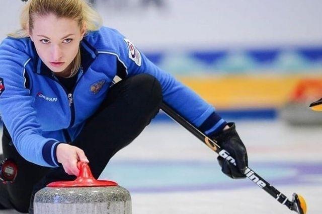 Анна Самойлик играла с напарником Михаилом Васьковым.