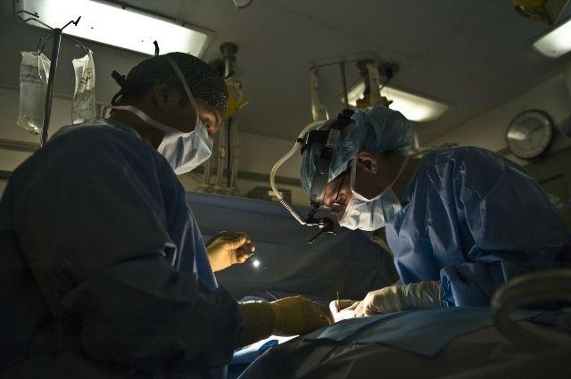 Тюменские хирурги помогли пациенту с раком легкого