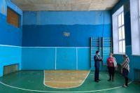 В школьном спортзале затянулся ремонт.