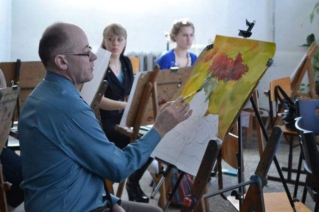 Из четырёх выпускников курса живописи, как правило, художником становится лишь один.