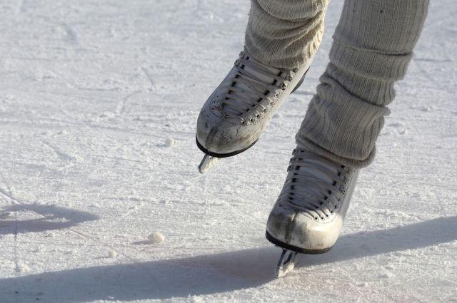 Лёд на объектах стал хрупким и небезопасным.