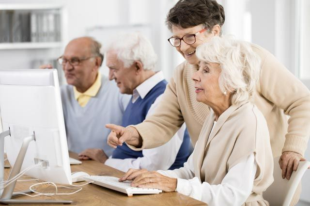 Пенсионеры рассчитывают на зарплату выше средней по региону.