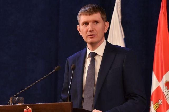 Вячеслава Володина смутило, что Максим Решетников использовал в своей речи словосочетание «обсудить на площадке Госдумы».