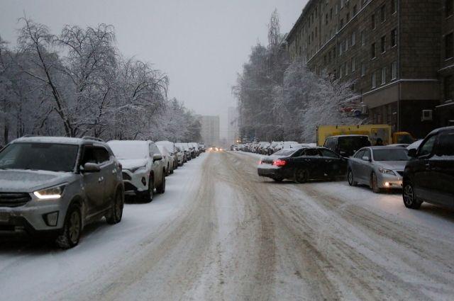 После непродолжительного потепление в Новосибирскую область вернулись морозы. Столбики термометров опустятся до -29 градусов днем.