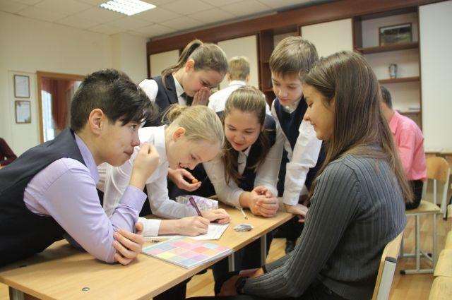 ученики, которые в связи с обучением в дистанционном формате отстали от программы, будут заниматься дополнительно