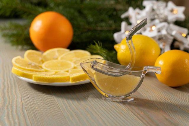 Мини-пресс для отжима ломтиков цитрусовых.