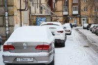 Незаконная стоянка – это не только оставление автомобиля в неустановленном месте, но и незаконно огороженный для машин участок придомовой территории.