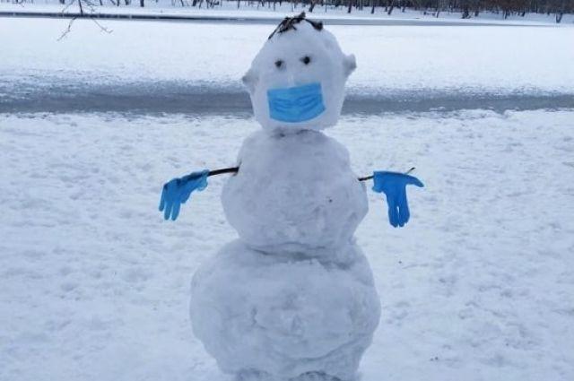 В субботу можно будет снова лепить снеговиков.
