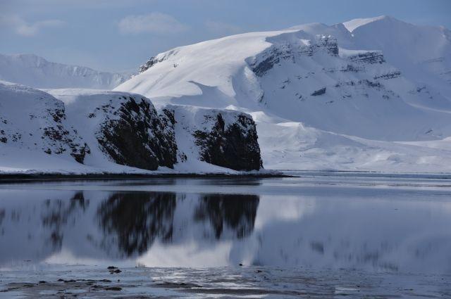 Важнейшая компонента на ближайшие годы — оценка эффектов климатических изменений и разработка новой парадигмы ответственности в Арктике между арктическими государствами.