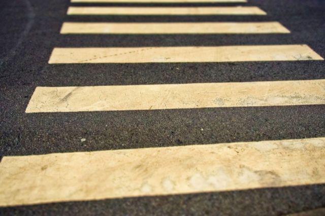 Дорожные инспекторы напоминают о необходимости соблюдения правил дорожного движения и перед нерегулируемым пешеходным переходом обязательно снижать скорость.