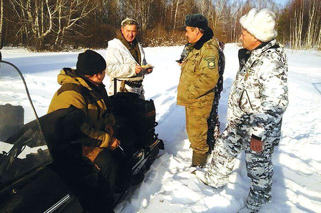 Инспекторы минэкологии, полиция и общественники регулярно проводят рейды в охотугодьях.