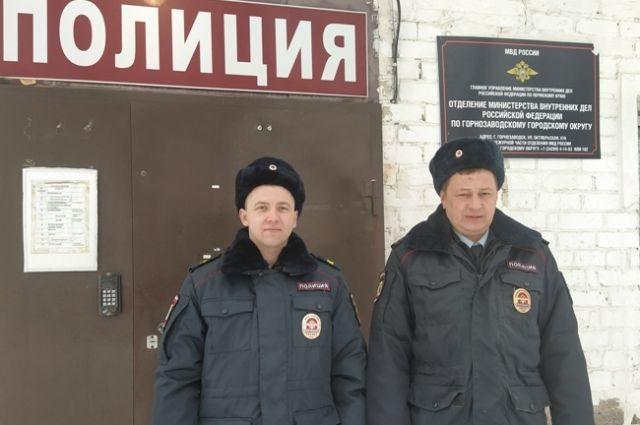 Стражи порядка помогли жителям посёлка Пашия.