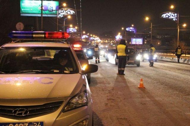 Также на трассах будут проверять транспорт, перевозящий пассажиров.