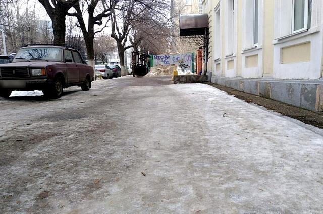 Тюменке, сломавшей ногу из-за гололеда, выплатят 550 тысяч рублей