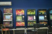 з подпольного клуба были изъяты игровые автоматы, деньги, документы, подтверждающие их незаконное поступление от клиентов.