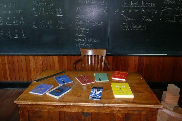 В Салехарде стартовала акция «Учителю с любовью»