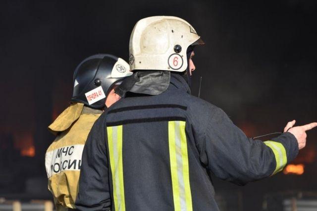 Из-за плотной застройки площадь пожара стала больше.