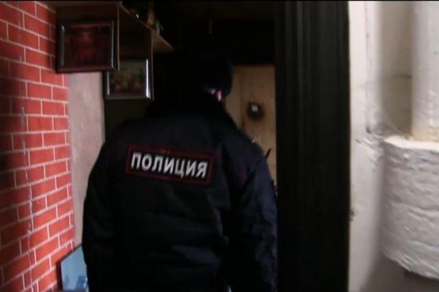 Полицейский смог дать отпор дебоширу и доставить его в пункт назначения.