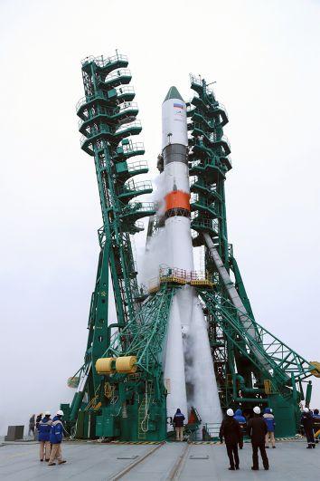 Подготовка к запуску ракеты-носителя.