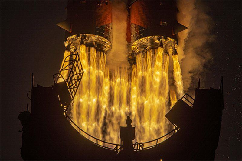 Запуск ракеты-носителя.