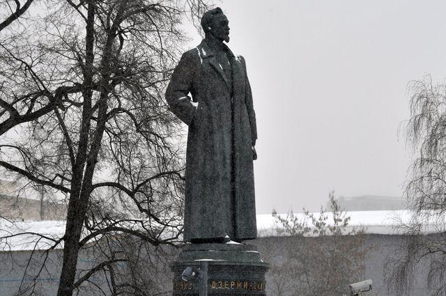 Памятник Ф.Э. Дзержинскому впарке искусств «Музеон» вМоскве.