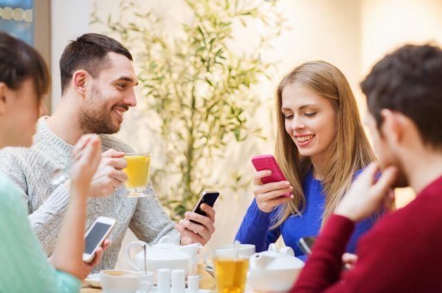 Компания «Ростелеком» предлагает сибирским корпоративным клиентам воспользоваться акционными предложениями и выгодно подключить такие услуги как «Ростелеком Экраны», «Wi-Fi для гостей» и «Интернет».