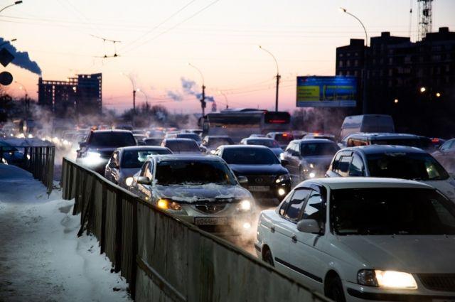 Новосибирск уже несколько дней просто живет в пробках