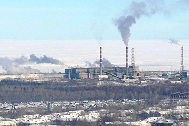 Отходы с комбината собираются частично вывозить, частично сжигать, а также производить из шлам-лигнина почвогрунт.
