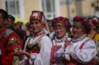 Коми автономия в составе России была собрана в 1921 г. из восточных уездов Вологодской и Архангельской, а также некоторых северных территорий Вятской губерний.