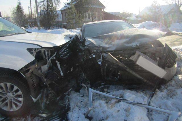 В Ижевске при столкновении иномарок пострадали две автомобилистки