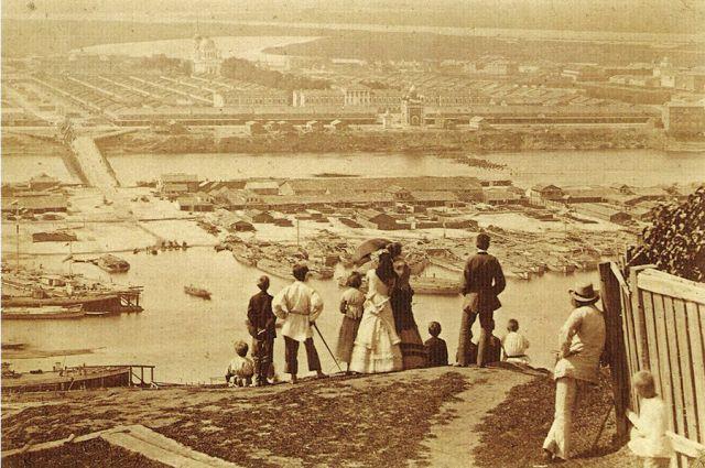 Вид на Нижегородскую ярмарку с Гребешка