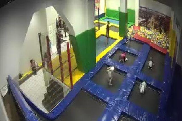 В результате занятий травмы получили четыре ребенка возрастом от 5 до 12 лет.