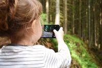 Специалисты советуют до 3 лет не давать детям в руки электронные устройства. В этом возрасте они познают мир.