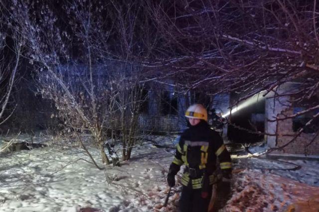 В Днепре произошел пожар в заброшенном доме: погибли три человека