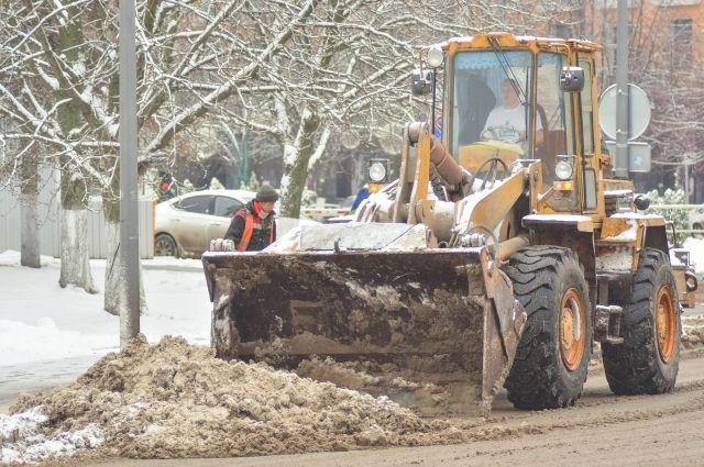 В Орске в связи с сильными снегопадами режим повышенной готовности продлен до 24 февраля.