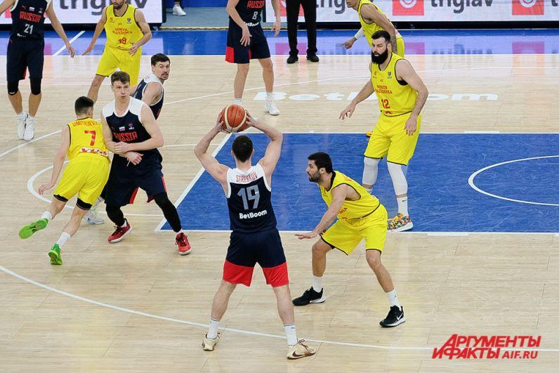 Баскетбольный матч мужской сборной России и Северной Македонии в Перми.Баскетбольный матч мужской сборной России и Северной Македонии в Перми.