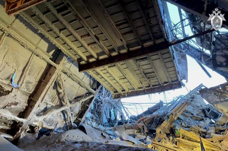Последствия обрушения вцеху наНорильской обогатительной фабрике.
