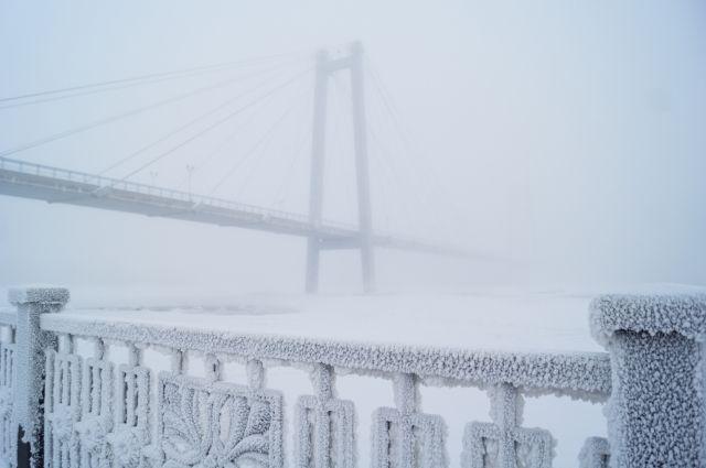 При  этом местами возможен снег и изморозь.