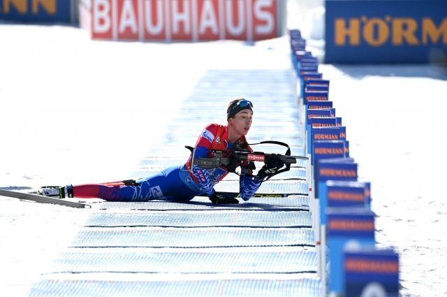 Ульяна Кайшева (Россия) на огневом рубеже эстафеты среди женщин на чемпионате мира по биатлону в словенской Поклюке.